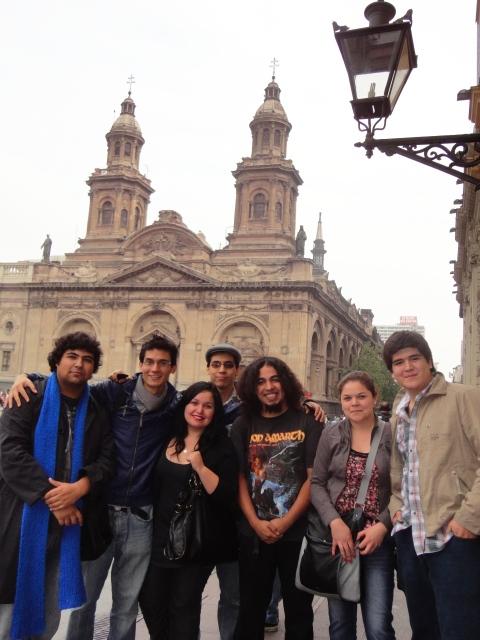 Estudiantes de Ped. en Historia UDLA en Plaza de Armas, 2012
