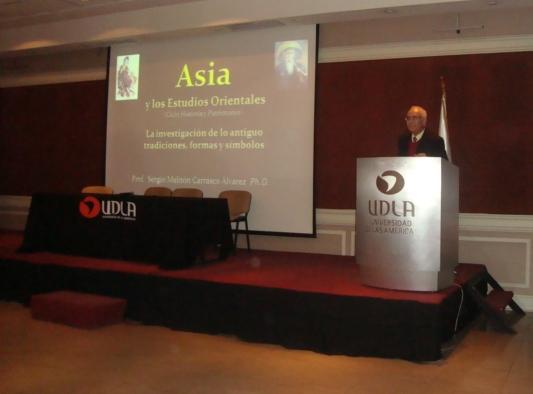 Dr. Sergio Carrasco en UDLA Santiago Centro.