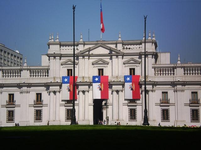 El Palacio de La Moneda será uno de los puntos que abordará el circuito a cargo del docente de la UDLA, Pablo Páez. (Fotografía Rodrigo Almarza)