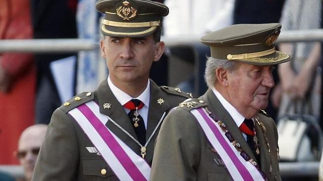 El Rey y el Príncipe de Asturias en El Escorial