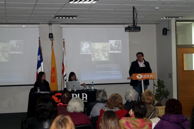 """Carlos Carroza, """"Mujeres en décima: aproximaciones a su presencia en Chile y su actualidad en Iberoamérica"""", en conjunto con la socióloga María Ignacia Banda"""