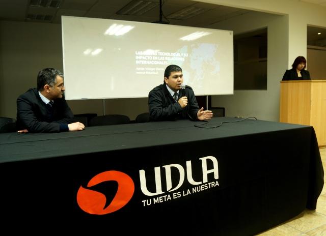 """Adrián Villegas """"Las nuevas tecnologías y su impacto en las relaciones internacionales"""""""